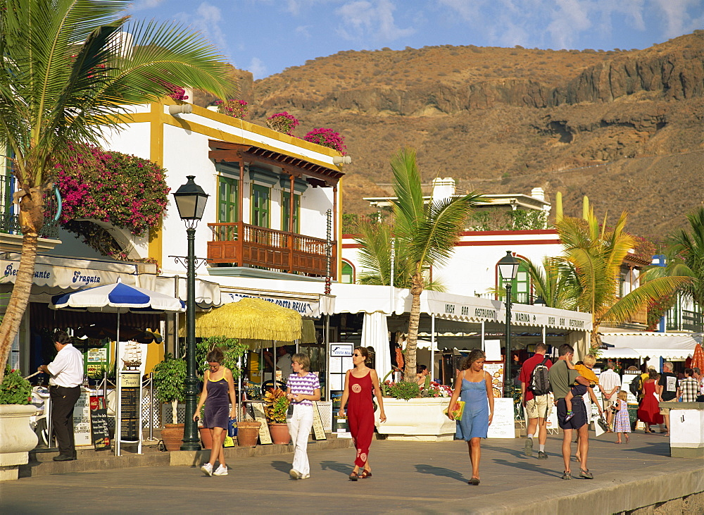 Restaurants along the Promenade, tourists walking around the habour, Puerto de Morgan, Gran Canaria, Canary Islands, Spain, Europe - 586-262