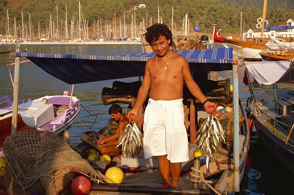 Fresh fish for local restaurant, Marmaris, Anatolia, Turkey, Asia Minor, Eurasia - 59-2104