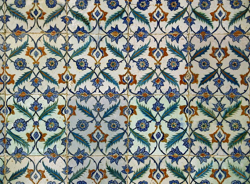 Detail of tiles in the Harem, Topkapi Palace, Istanbul, Turkey, Europe - 59-2256