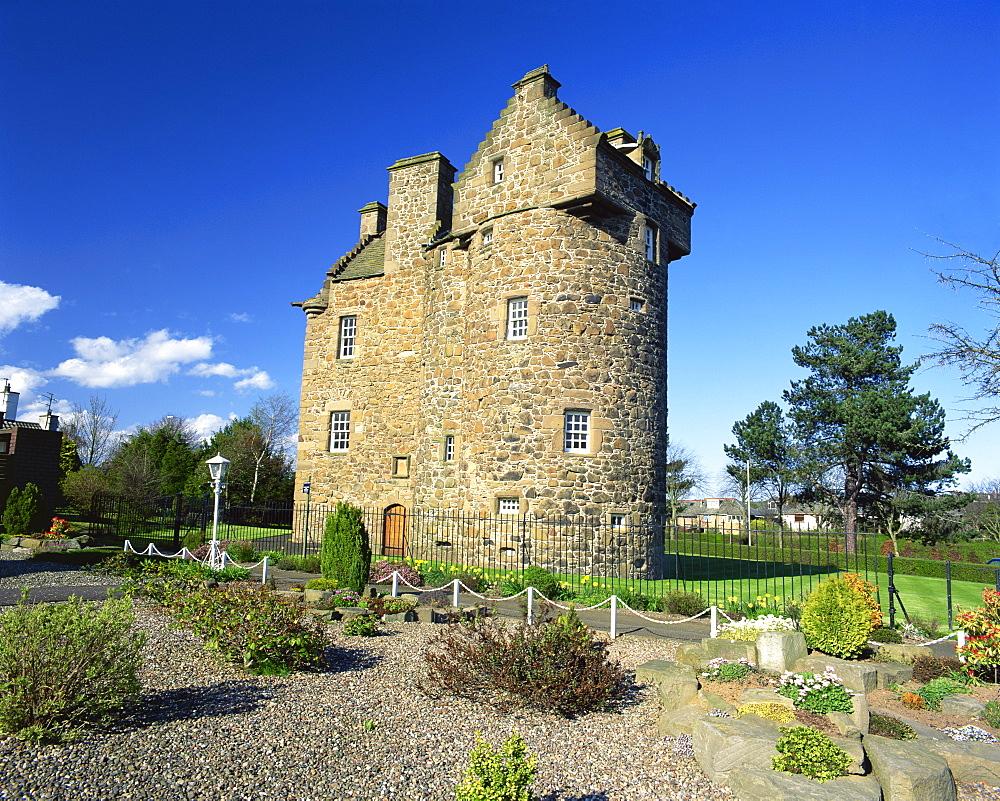Claypotts Castle, Broughty Ferry, near Dundee, Highlands, Scotland, United Kingdom, Europe - 612-390