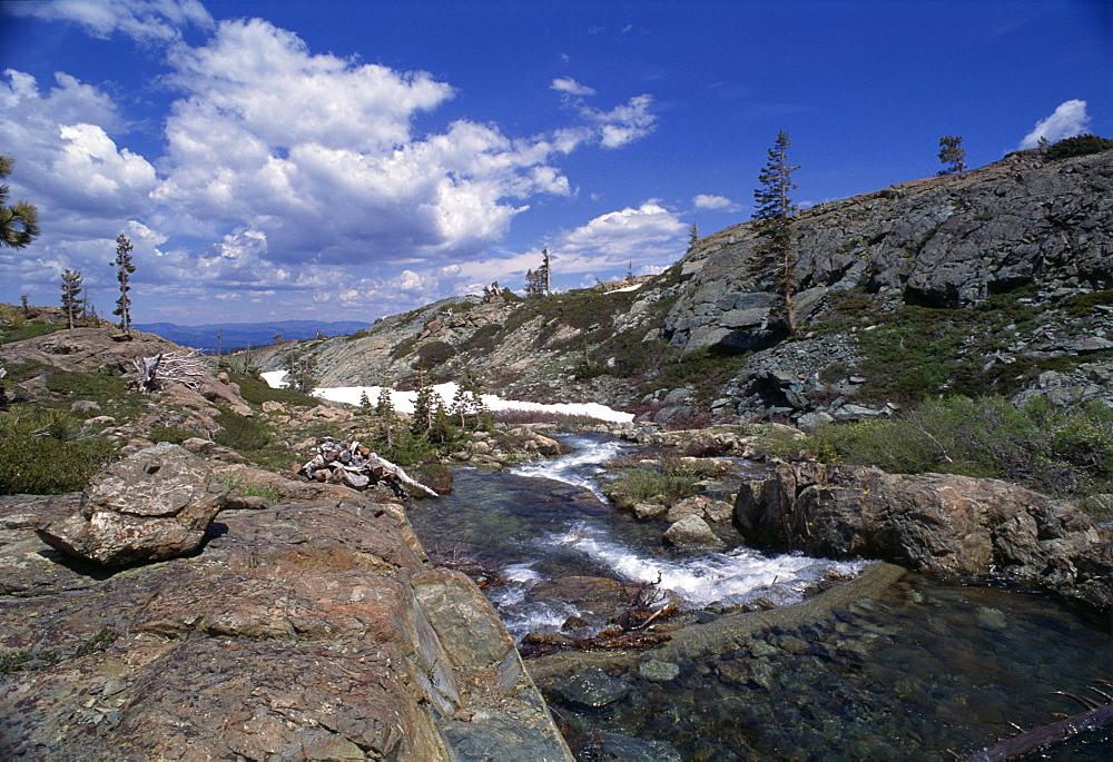 Long Lake near Mount Elwell, Basin Lakes area, Northern California, United States of America, North America - 615-163