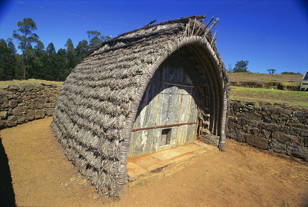 Traditional house in Bikkapathimund, Thoda village, Tamil Nadu state, India, Asia - 615-323