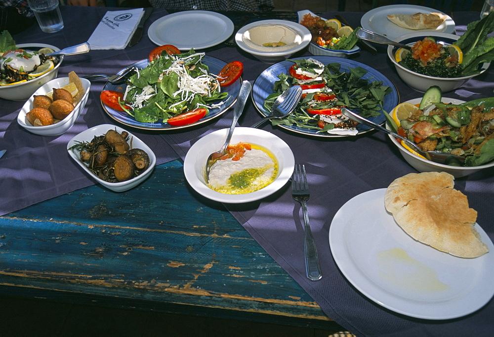 Food at the Haret Idoudna restaurant, Madaba, Jordan, Middle East