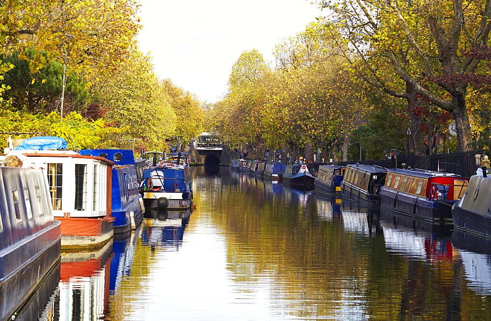 Canal boats, Little Venice, London, England, United Kingdom, Europe - 627-1250