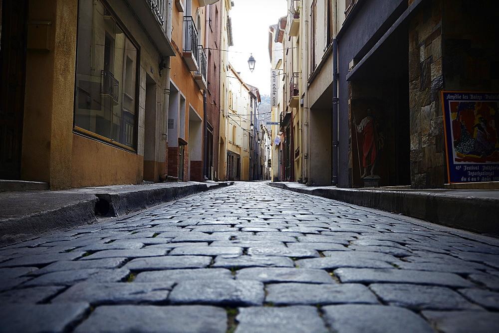 Ceret, Languedoc-Roussillon, France, Europe - 627-1273