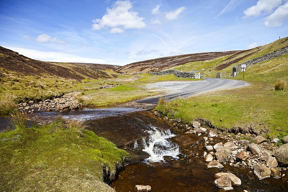 Ford in the road made famous by James Herriot tv series, Swaledale, Yorkshire Dales, North Yorkshire, Yorkshire, England, United Kingdom, Europe