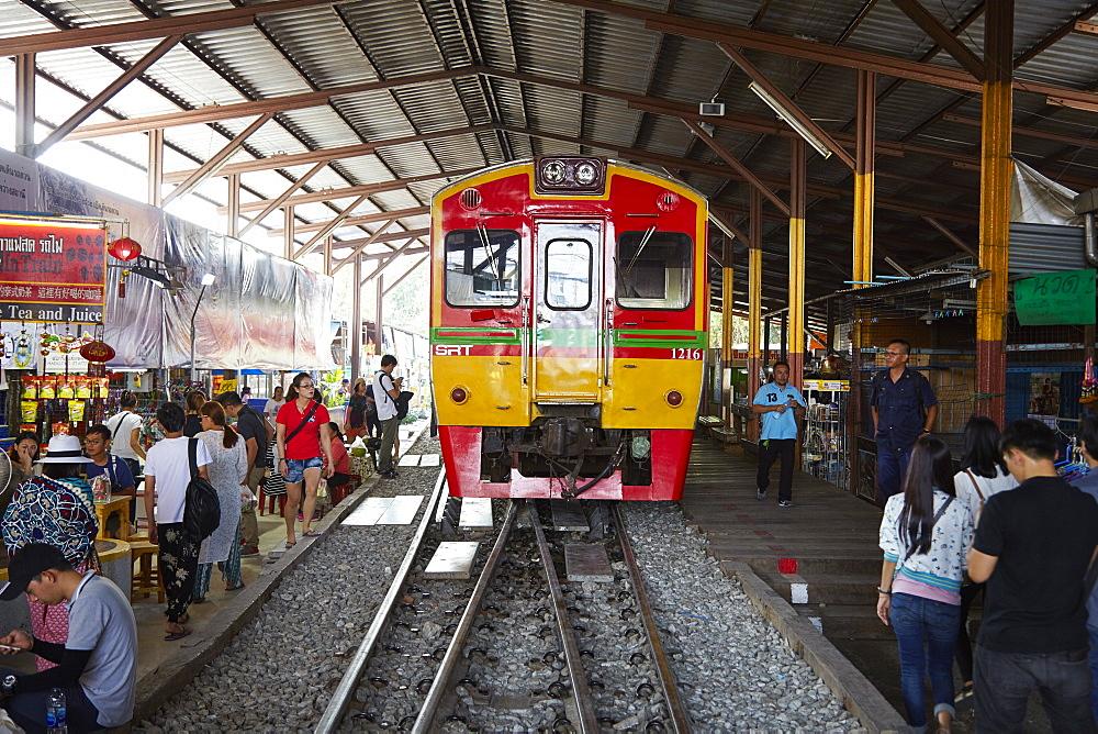 Maeklong railway, Bangkok, Thailand, Southeast Asia, Asia - 627-1352