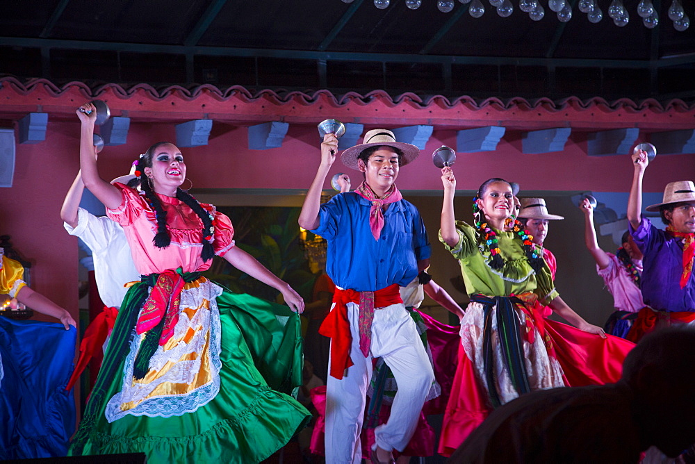 Mexican Traditional folk dancing, Puerto Vallarta, Jalisco, Mexico, North America - 632-5340