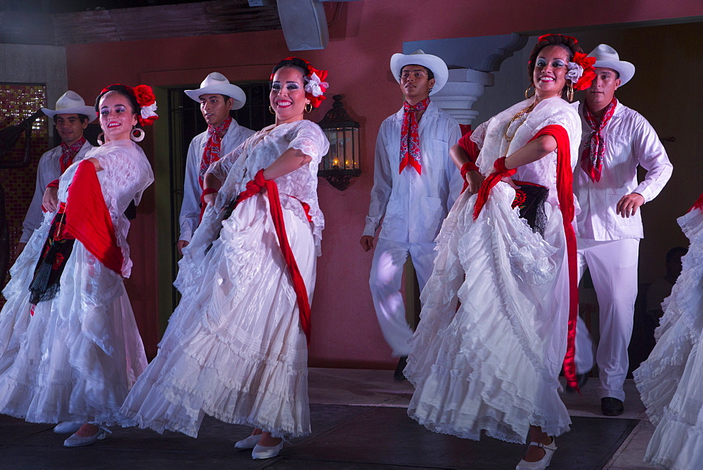 Mexican Traditional folk dancing, Puerto Vallarta, Jalisco, Mexico, North America - 632-5345