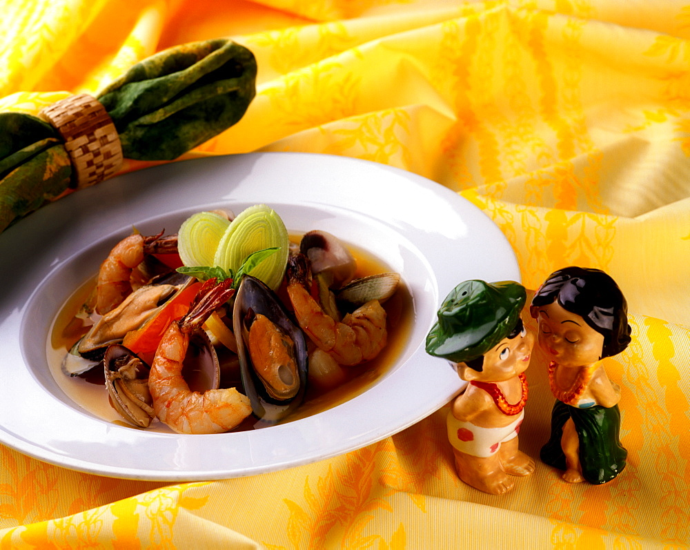 Shrimp and mussels, Hawaii, United States of America, Pacific - 632-5529