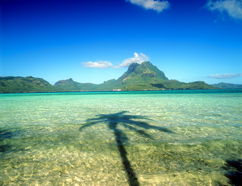 Bora Bora, Society Islands, French Polynesia, Pacific - 632-5576