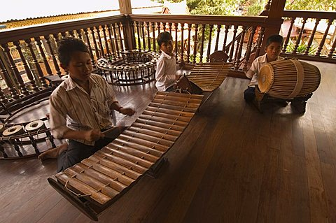 Musicians in the Royal Palace, Phnom Penh, Cambodia, Indochina, Southeast Asia, Asia