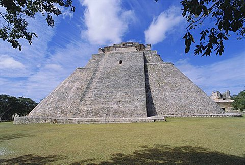 Magician's Pyramid at Mayan site of Uxmal, Yucatan, Mexico, Central America