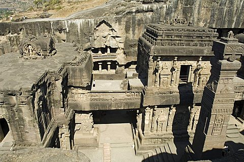 The Kailasa (Kailasanatha) Temple, Ellora Caves, temples cut into solid rock, UNESCO World Heritage Site, near Aurangabad, Maharashtra, India, Asia