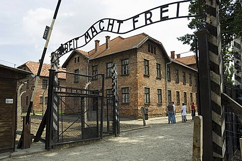 Entry gate with sign Arbeit Macht Frei (work makes you free), Auschwitz Concentration Camp, UNESCO World Heritage Site, Oswiecim, near Krakow (Cracow), Poland, Europe