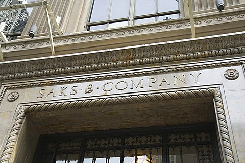 Saks, Fifth Avenue, Manhattan, New York, New York State, United States of America, North America - 641-9389