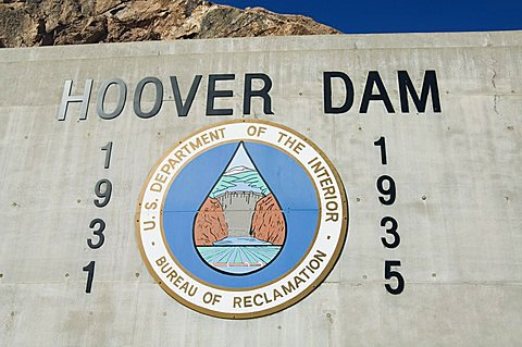 Hoover Dam on the Colorado River forming the border between Arizona and Nevada, United States of America, North America