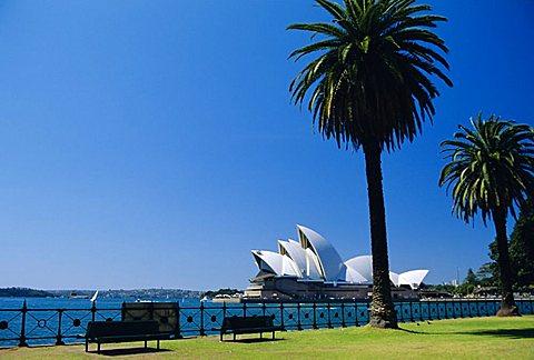 Sydney, Australia - 645-2689