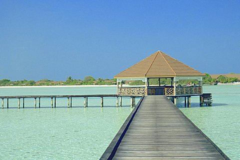 The jetty on the island of Digofinolu in the Maldive Islands, Indian Ocean, Asia