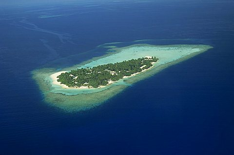 Aerial view of the island of Embudu in the Maldive Islands, Indian Ocean, Asia
