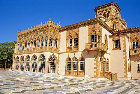 The John and Mable Ringling Museum of Art,  C'a d'Zan, built in Venetian style in 1924 by the famous circus millionaire John Ringling , Sarasota, Florida, USA