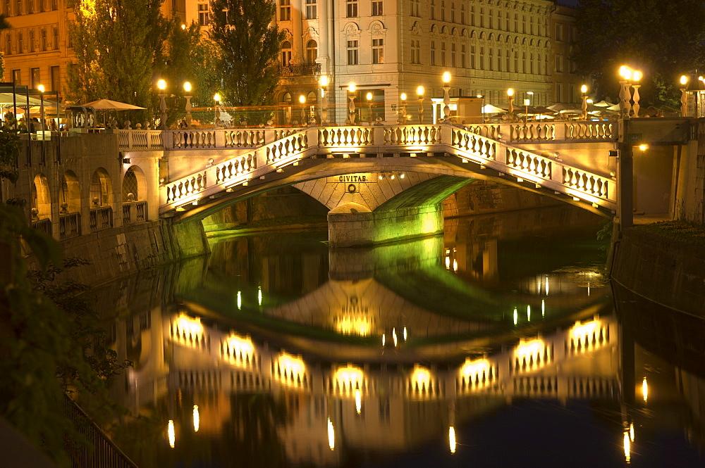 The Triple Bridge over River Ljubljanica, Ljubljana, Slovenia, Europe