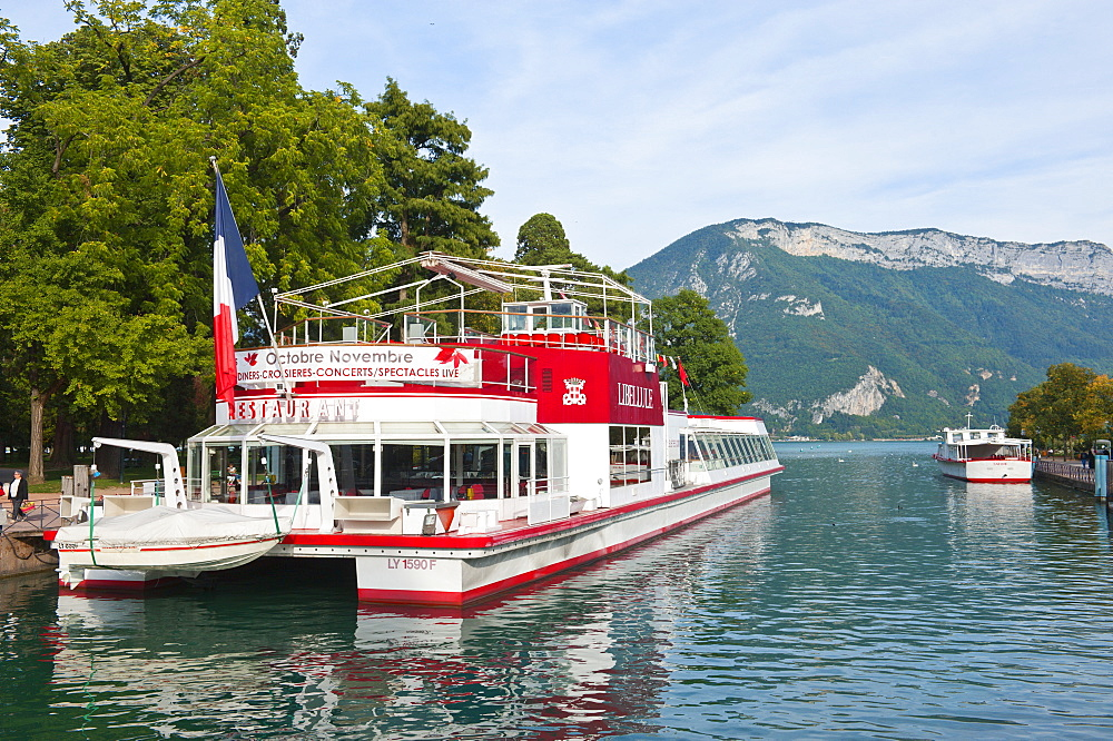 Pleasure cruise boats at Annecy, Haute-Savoie, France, Europe - 663-794