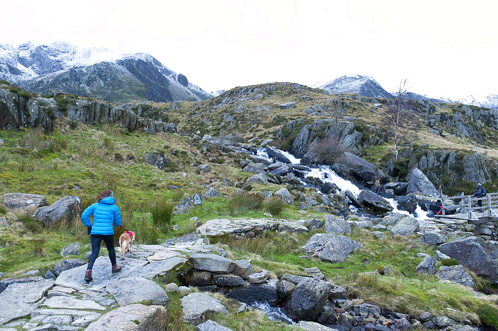Hikers and climbers in Snowdonia National Park, Gwynedd, Wales, United Kingdom, Europe