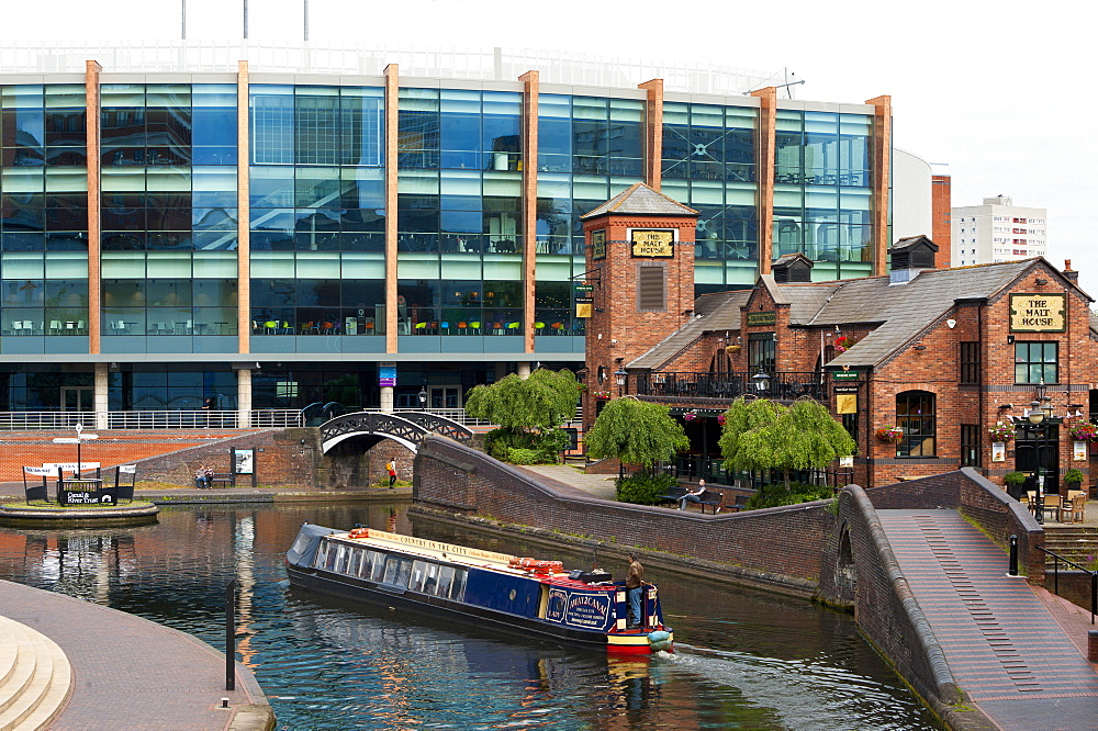 Canal system, Birmingham, West Midlands, England, United Kingdom, Europe - 663-897