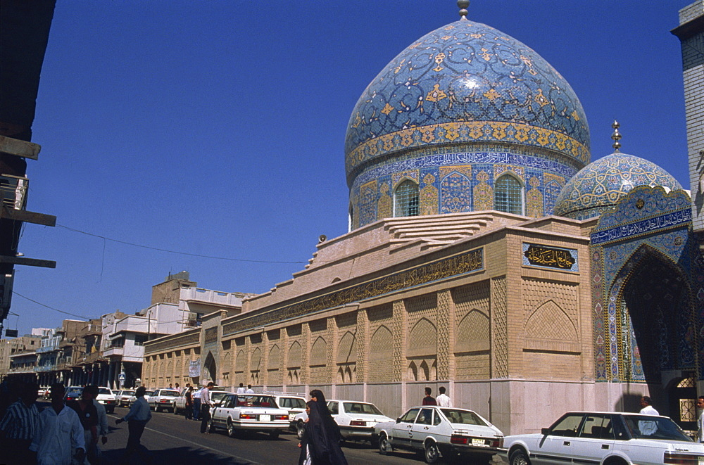 Exterior of the Sheikh Omar Mosque with blue tiles on dome, Islamic architecture, Baghdad, Iraq, Middle East