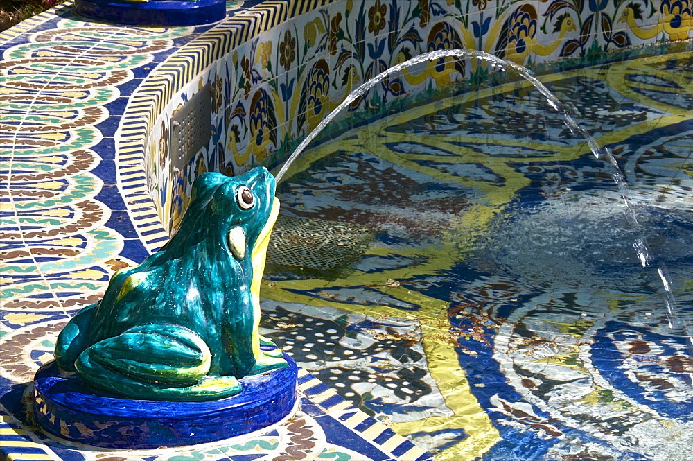 Ceramic frog spitting out water, Frogs Fountain, Maria Luisa Park, Seville, Andalusia, Spain, Europe