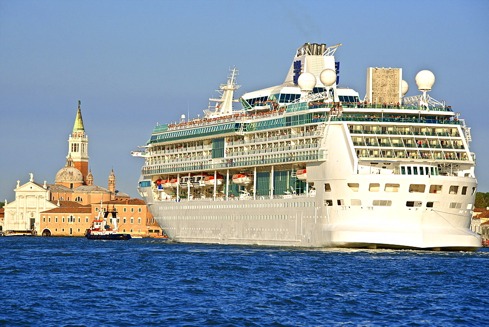 Tourist cruise liner and vaporetto sailing on Bacino di San Marco, Venice, UNESCO World Heritage Site, Veneto, Italy, Europe