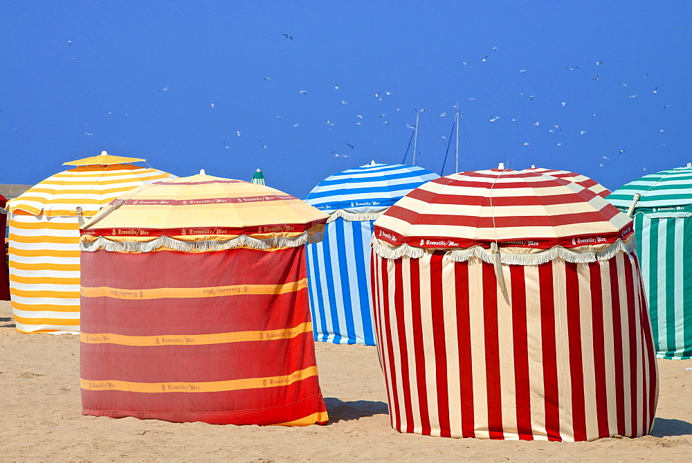 Typical color striped beach cabins, beach and sea, Trouville sur Mer, Normandy, France, Europe - 665-5482