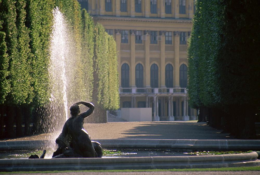 Fountain and palace facade, Schonbrunn Gardens, UNESCO World Heritage Site, Vienna, Austria, Europe