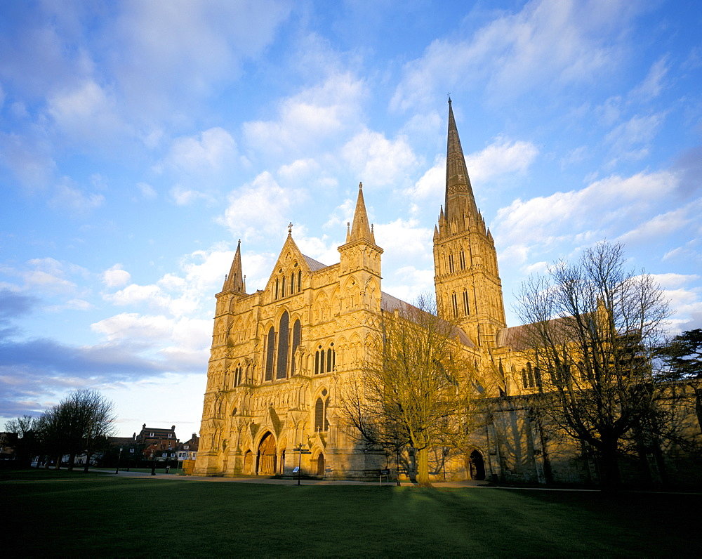 West front at dusk, Salisbury Cathedral, Wiltshire, England, United Kingdom, Europe