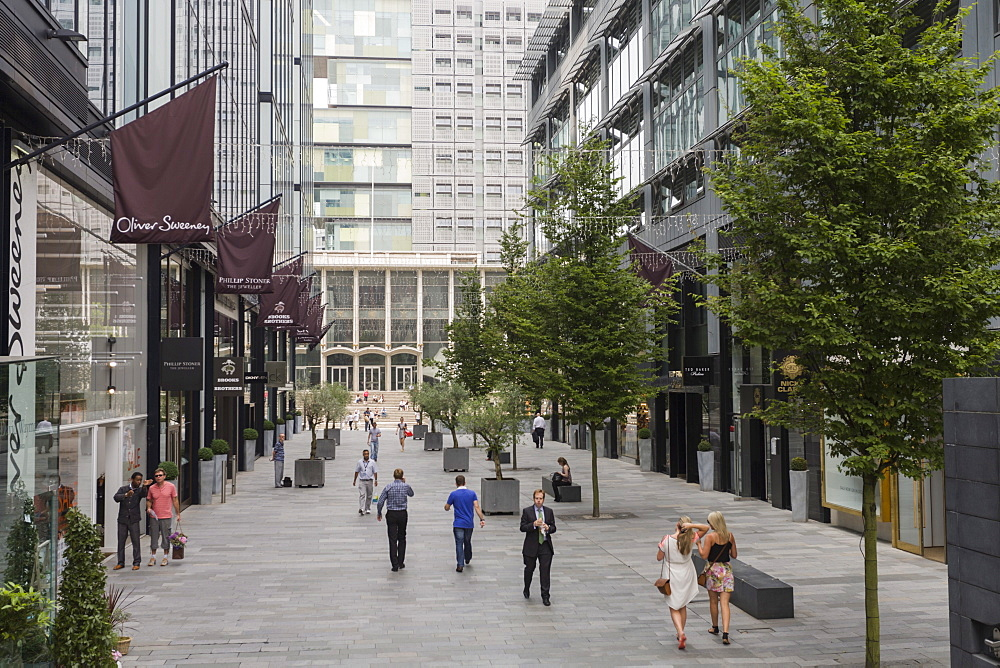Shopping in the Avenue, Manchester, England, United Kingdom, Europe - 667-2565