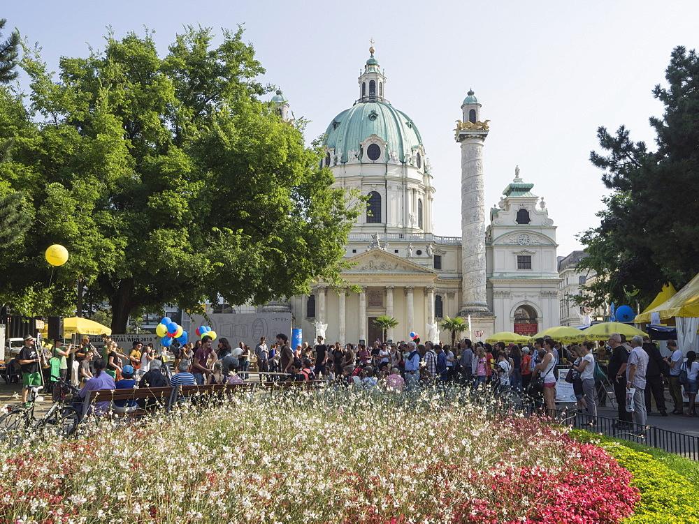 Buskers Festival at St. Charles' Church (Karlskirche), Resselpark, Karlsplatz, Vienna, Austria, Europe