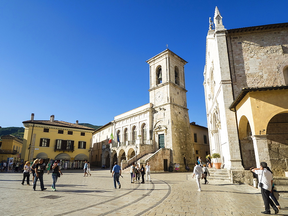Piazza San Benedetto, Norcia, Umbria, Italy, Europe - 667-2594