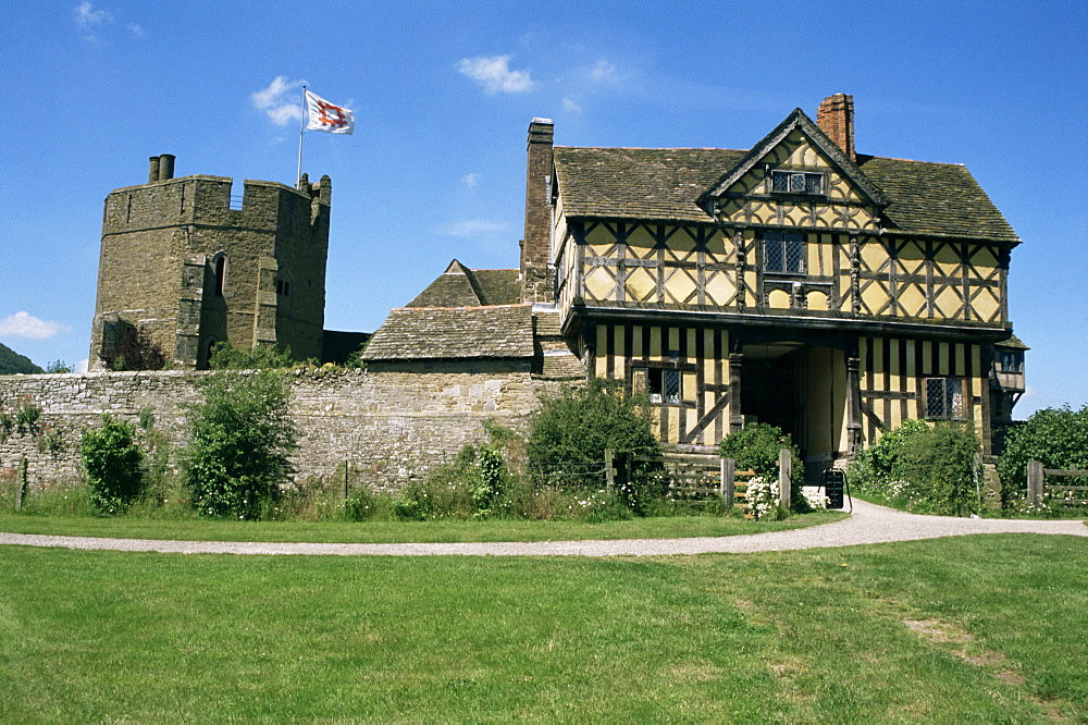 Gatehouse and south tower, Stokesay Castle, Shropshire, England, United Kingdom, Europe