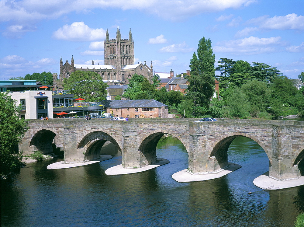 Cathedral, medieval bridge and the River Wye, Hereford, Herefordshire, England, United Kingdom, Europe