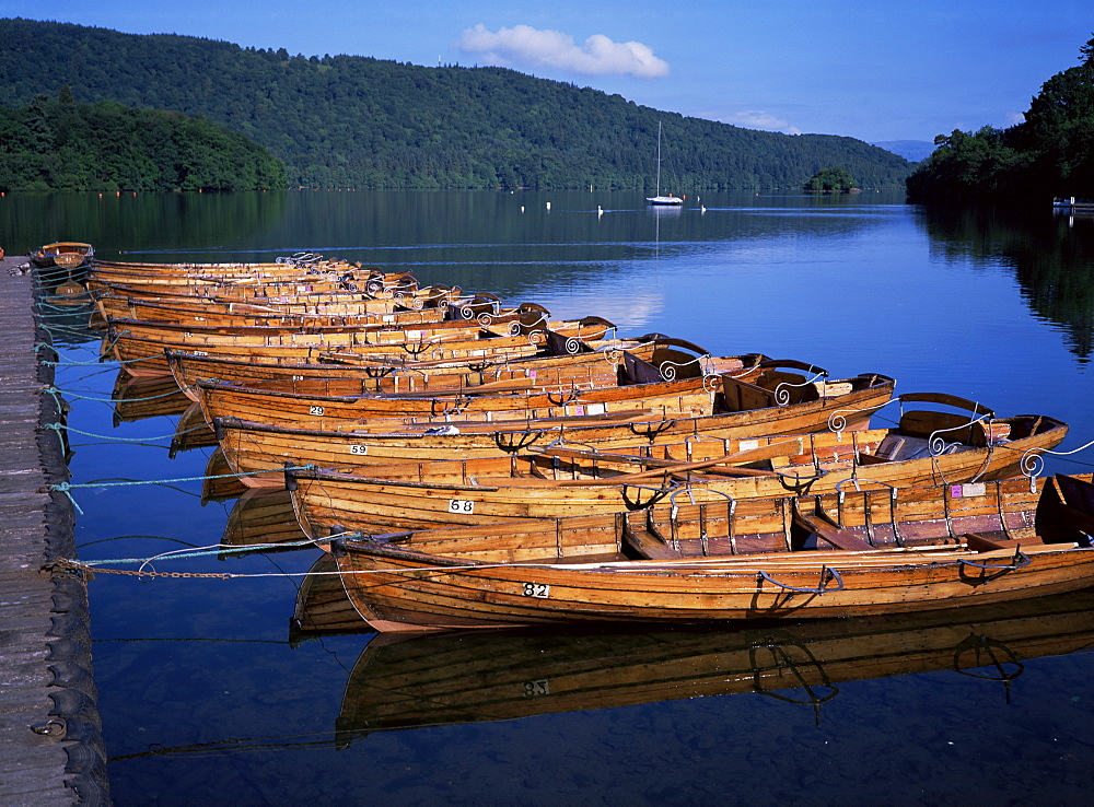 Rowing boats on lake, Bowness-on-Windermere, Lake District, Cumbria, England, United Kingdom, Europe