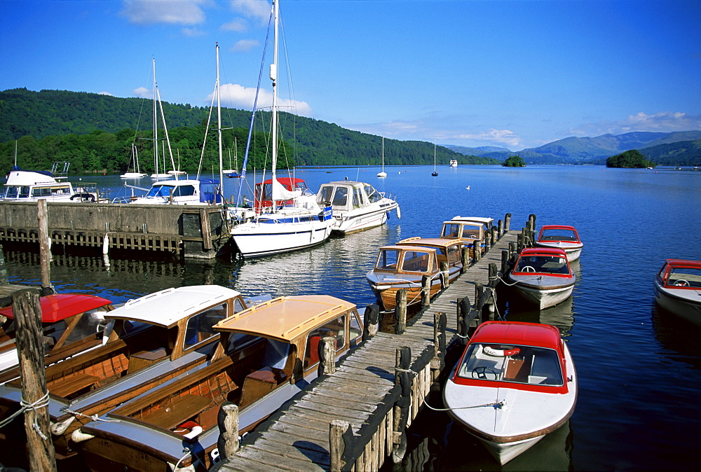 Boats on Lake Windermere, Bowness on Windermere, Lake District National Park, Cumbria, England, United Kingdom, Europe