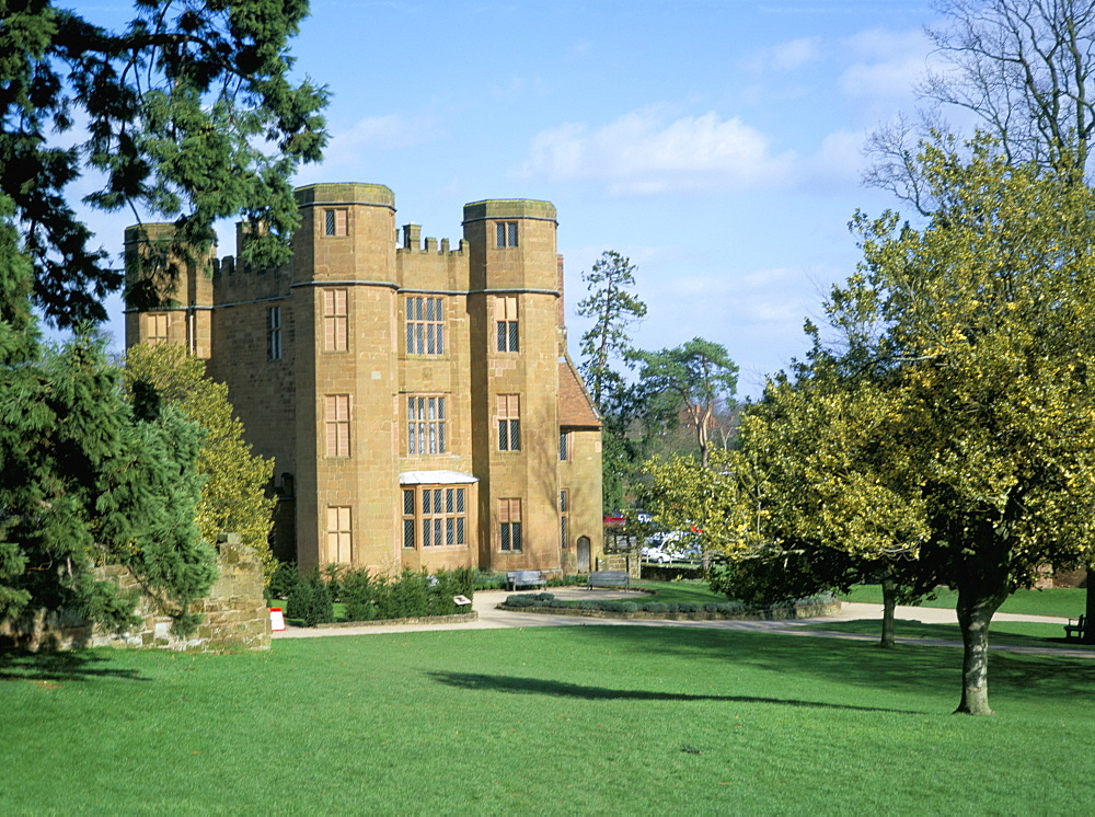 Leicester's gatehouse, Kenilworth Castle, managed by English Heritage, Warwickshire, England, United Kingdom, Europe