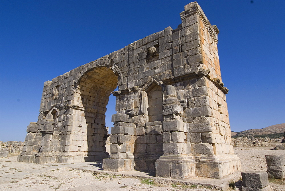 Triumphal Arch, Roman site of Volubilis, UNESCO World Heritage Site, Morocco, North Africa, Africa