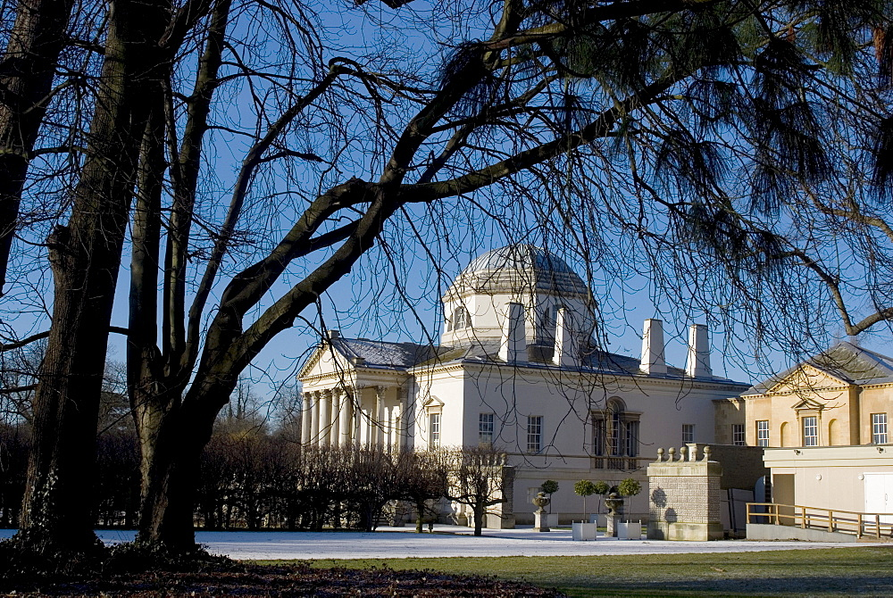 Chiswick House, neo-Palladian guest residence of the third Earl of Burlington built in 1729, Chiswick Gardens and Park, Chiswick, London, England, United Kingdom, Europe