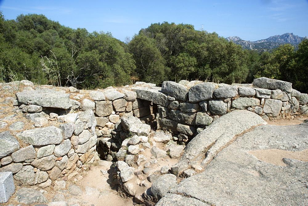 Nuraghe Albucciu, dating from 1600 BC, near Arzachena, Sardinia, Italy, Europe - 685-2598