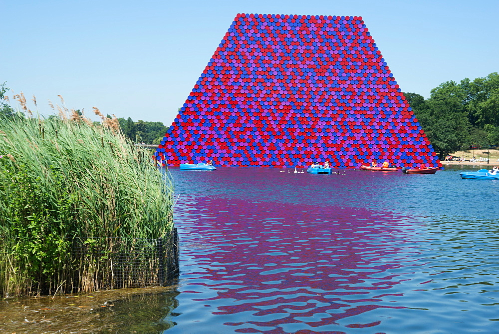The Mastaba, a project by Christo and Jeanne-Claude comprising over 7000 oil barrels in the Serpentine, London, W2, England, United Kingdom, Europe
