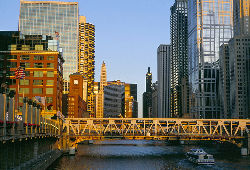 Skyscrapers and Michigan canal, Chicago, Illinois, United States of America, North America