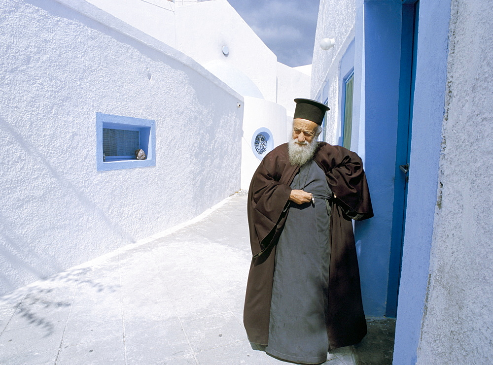 Priest, Megalochori, Santorini (Thira), Cyclades Islands, Greek Islands, Greece, Europe