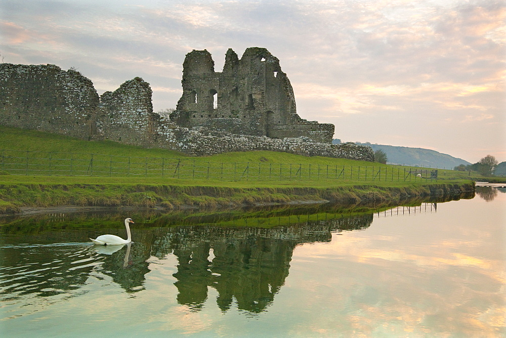 Ogmore Castle, Bridgend, Glamorgan, Wales, United Kingdom, Europe
